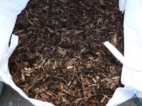 bark chippings bulk bag landscaping. Black Bedroom Furniture Sets. Home Design Ideas